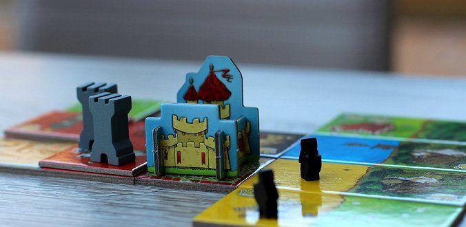 Queendomino - Die Ritter treiben Geld ein und die Türme bringen die Königin ins eigene Reich
