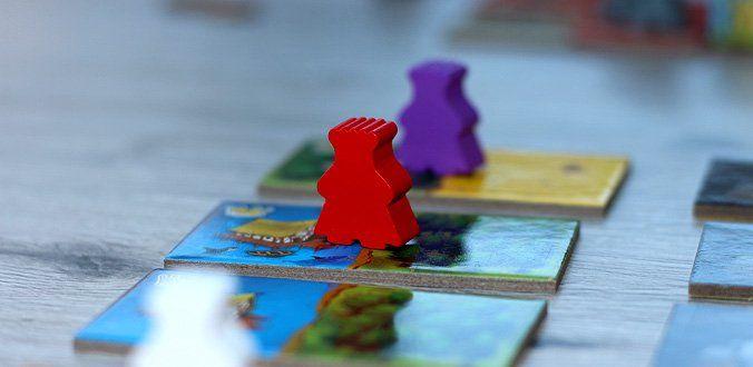 Queendomino - Die König-Meeple setzt man wie gewohnt auf die Landschafts-Plättchen