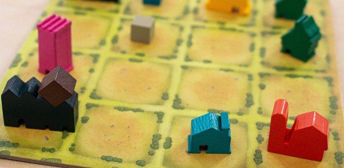 Die Stadt entsteht so langsam in Tiny Towns