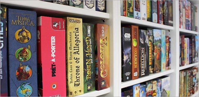 Brettspiel-Regale lagern Ordnung